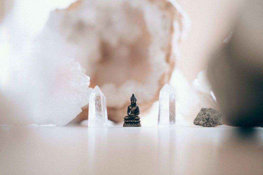 Le pouvoir des cristaux pour un nettoyage énergétique efficace